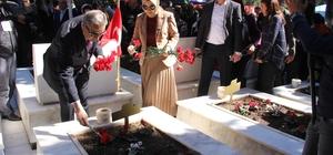 """Mersin Şehitliğinde duygulandıran tören 18 Mart Şehitleri Anma Günü ve Çanakkale Deniz Zaferi'nin 104. Yılı dolayısıyla Mersin Şehitliğinde tören düzenlendi Vali Su: """"Vatan topraklarında ne pahasına olursa olsun bağımsız ve özgür yaşayacağımızı bütün dünyaya gösterdiniz"""""""