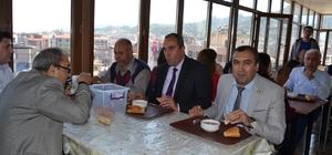 Adliyede menü: üzüm hoşafı ve ekmek Salihli'de hakim ve savcılara Çanakkale Menüsü