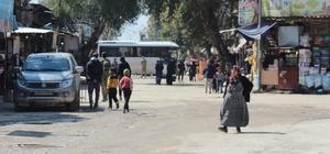 Afrin'de hayat normale döndü Zeytin Dalı Harekatı'nın üzerinden 1 yıl geçti 130 bin nüfusun yaşadığı Afrin kentinde, ihtiyaçlar kurulan mahalli meclisler aracılığıyla sağlanıyor Türkiye'nin yardım ve destekleriyle kentte sağlıktan eğitime, altyapıdan spora kadar birçok konuda yenilikler getirildi Afrin güvenli şehir haline getirilecek, 6 ay sonra elektrik verilecek