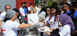 ADÜ öğrencilerine Çanakkale menüsü dağıttı