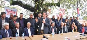 """Seçer: """"Bizim gündemimiz istihdam, yatırım ve yoksulluk"""" CHP Mersin Büyükşehir Belediye Başkan Adayı Vahap Seçer, Tarsus ve Toroslar ilçelerinde vatandaşlarla bir araya geldi"""