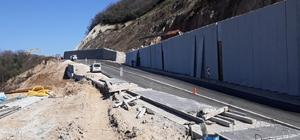 Heyelan sebebiyle kapanan Nato yolu trafiğe açıldı