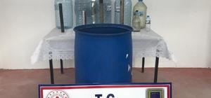 Ürettiği 200 litre alkolle jandarmaya yakalandı