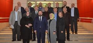 Başkan Aktepe'den meclis üyelerine plaket