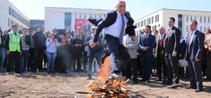 Kayseri'de 'Nevruz' coşkusu Nevruz ateşi yakıldı, demir dövüldü