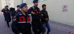 Jandarma Empadansmont hırsızlarını kovalamaca sonucu yakaladı TCDD'yi zarara uğratan ve 5 ayrı hırsızlık olayına karışan şüpheliler yakalandı