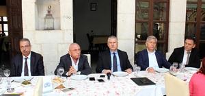 """Quick Sigorta """"kefalet senetleri"""" düzenlemeye başladı Genel Müdür Ahmet Yaşar, yapılan düzenlemeyle ihalelerde teminat mektubu olarak Türkiye'de yerleşik sigorta şirketleri tarafından kefalet sigortası kapsamında düzenlenen kefalet senetlerinin verilebilmesinin önünün açıldığını belirtti"""