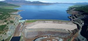 """DSİ'den """"Hatay'da baraj yok"""" diyen Kılıçdaroğlu'na cevap Devlet Su İşleri, CHP Genel Başkanı Kemal Kılıçdaroğlu'nun """"Hatay'da baraj yok"""" dediği ildeki son 17 yıl içerisinde tamamlanan ve yapımına devam edilen baraj ve göletlerin durumunu açıkladı Hatay'da yapımı tamamlanan ve inşası süren baraj ve göletler havadan görüntülendi"""