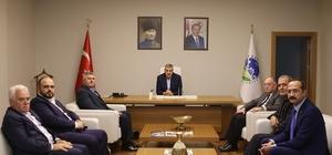 Başkan Toçoğlu Akyazı Ticaret ve Sanayi Odası üyeleri ile 3. OSB Yönetimini makamında ağırladı