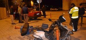 Otomobil ile motosiklet çarpıştı: 1 yaralı Otomobil ile çarpışan motosiklet parçalara ayrıldı