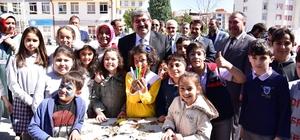 Başkan Can, öğrencileri yalnız bırakmadı