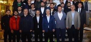 Vali Akın, Kırşehir Belediyesporlu futbolcularla bir araya geldi