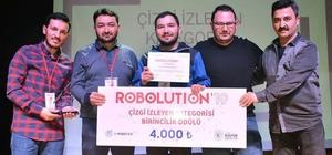 Giresun Üniversitesi'ne robotik yarışmasında çifte ödül Giresun Üniversitesi  Mühendislik Fakültesi öğrencileri 4 kategoride 350 Robotun katıldığı yarışmada birincilik ve ikincilik ödüllerinin sahibi oldu