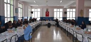 Şenkaya Belediye Başkanı Görbil Özcan'a veda yemeği