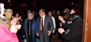 Başkan Can'a Osmangazi Mahallesinde coşkulu karşılama Bilecik Belediye Başkanı Nihat Can; ''TOKİ'ye yeni alışveriş merkezi, yeni spor alanları ve parklar için projelerimiz hazır'' ''Mahallemize yeni bir eczane için tekrar girişimde bulunacağım''