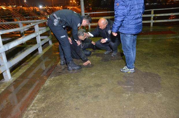Seyhan Nehri'ne düşen adamı vatandaşlar kurtardı
