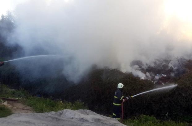 Gebze'de sünger fabrikasında yangın