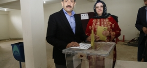 Eyyübiye Belediye Başkanı Mehmet Ekinci oyunu kullandı