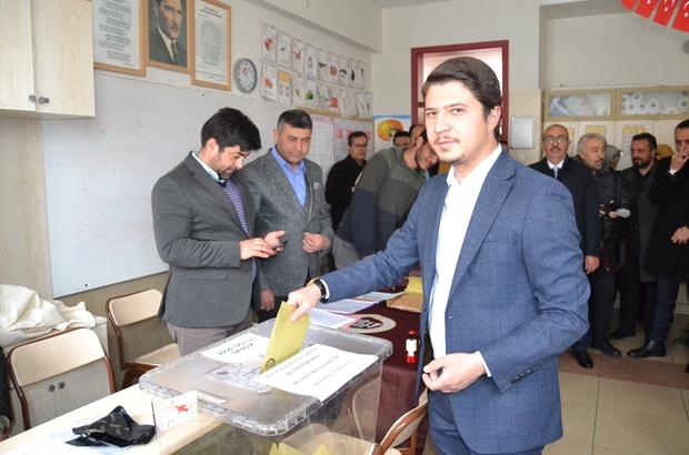 AK Partili başkan adayları, milletvekilleri oylarını kullandı