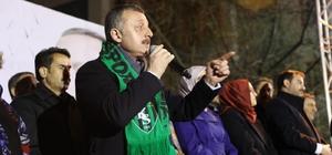 """Kocaeli Büyükşehir Belediyesi'nin yeni başkanı Tahir Büyükakın oldu Büyükakın: """"Çok çalışacağız ve ilk seçimde İzmit'i geri alacağız"""" dedi."""