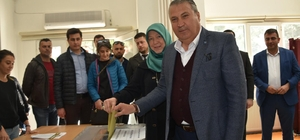 CHP, AK Parti ve MHP'li belediyeleri kazandı