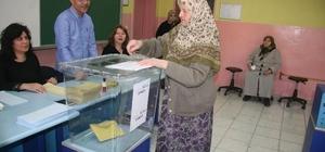 Denizli'de 31 Mart yerel seçimlerinin ardından Kentte AK Parti 13, CHP 4 ve MHP 2 ilçe belediye başkanlığı kazandı Denizli'nin en büyük ilçelerin birinde AK Parti diğerinde ise CHP kazandı Seçime katılım oranı yaklaşık yüzde 89 oldu