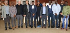 Rektör Kızılay, Afrikalı öğrencilerle buluştu