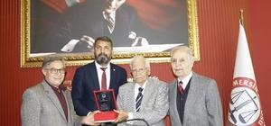 Mersin'in değeri Şinasi Develi'ye, avukatlıkta 71. yıl plaketi