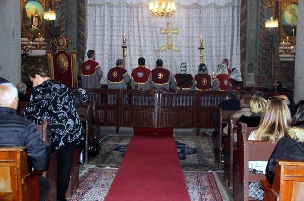 Ermeni cemaati miçing ayini için toplandı