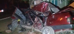 Freni patlayan süt kamyonu park halindeki otomobile çarptı: 3 yaralı