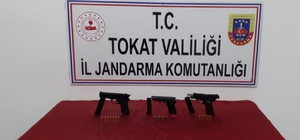 Silahları satamadan yakalandılar
