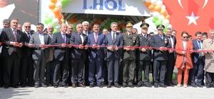 Bölgenin en büyük Tarım Fuarı Malatya'da açıldı 13. Doğu ve Güneydoğu Anadolu Tarım Teknolojileri, Makine, Hayvancılık ve Gıda Fuarı kapılarını açtı