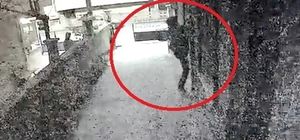 """10 ayrı eve giren """"Örümcek Adam"""" çetesi çökertildi Şahısların hırsızlık için balkonlara tırmanma görüntüleri ise kameralara böyle yansıdı"""