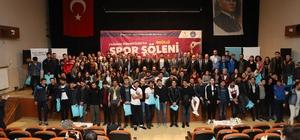 Yurdum Öğrencileri Spor Şöleni'nde ödül zamanı