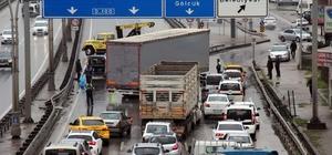 Kocaeli'de kaza yapan tır D-100'de trafiği felç etti