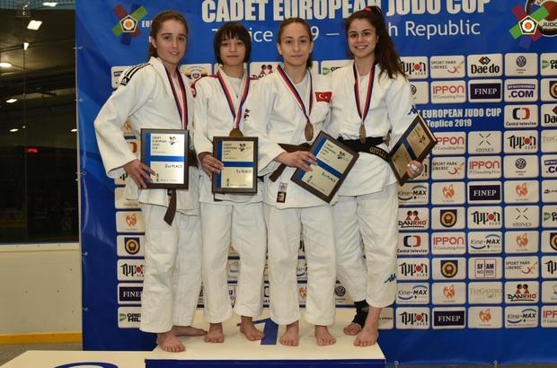 Kağıtsporlu judocu Merve, dünyada 1 numara oldu