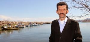 """Arslan: """"Önlem alınmazsa hamsinin geleceği tehlikede"""" Giresun'un Piraziz ilçesi Su Ürünleri Kooperatifi Başkanı Hamdi Arslan: """"Aşırı av baskısı hamsiyi erken göçe zorluyor"""""""