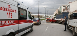 Sivas'ta trafik kazası 2 yaralı Sivas'ta 3 aracın karıştığı trafik kazasında 2 çocuk hafif şekilde yaralandı.