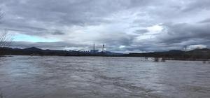 Aras Nehri karların erimesi sonucu yükseldi