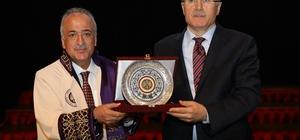 Atatürk Üniversitesi'nde bilimsel teşvik ödül ve akademik giysi töreni gerçekleşti