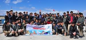 Van'da 43. Turizm Haftası etkinlikleri Kültür ve Turizm İl Müdürlüğünden öğrencilere tekne gezisi