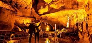 UNESCO listesine girdi, şifa arayanların uğrak yeri oldu UNESCO Dünya Miras Geçici Listesine alınan Tokat Ballıca Mağarası, farklı görüntüsünün  yanı sıra şifa arayanların da uğrak yeri oldu