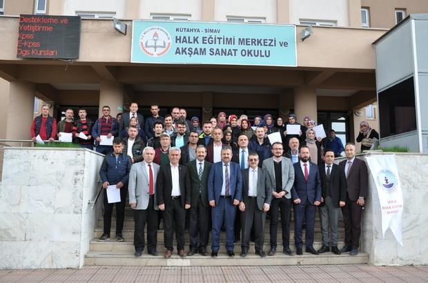 İŞ-KUR destekli 6 kursta 196 sertifika Simav Tarım ve Orman İlçe Müdürlüğü, Halk Eğitim Merkezi ve İŞ-KUR işbirliğiyle açılan 6 kurs sonunda 196 çiftçi belgelerini aldı