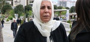 """Gülefer Yazıcıoğlu: """"10 yıldır gidiyoruz geliyoruz bir arpa boyu yol kat edemiyoruz"""" BBP kurucu Genel Başkanı Muhsin Yazıcıoğlu ile birlikte 5 kişinin hayatını kaybettiği helikopterin düşmesine ilişkin, hakkında """"görevi kötüye kullanma"""" suçundan dava açılan, dönemin İstihbarat Şube Müdürü eski emniyet amiri Dursun Özmen'in yargılanmasına devam edildi Yazıcıoğlu'nun eşi Gülefer Yazıcıoğlu duruşma çıkışı,  davanın ana dosya halinde birleştirilmesini istediklerini söyledi, """"Hukukun bize bir an önce adaletimizi teslim etmesi lazım"""" dedi"""
