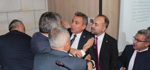 Büyükşehir Belediye Meclisi Encümen Üyeliği seçimlerinde arbede İlk meclis tartışmayla başladı