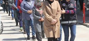 FETÖ operasyonunda 4 tutuklama Adana merkezli 9 ilde FETÖ'ye yönelik yapılan operasyonda gözaltına alınan zanlılardan 4'ü tutuklandı, 10'u adli kontrol şartıyla serbest bırakıldı