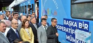 """Sosyal Kooperatif Eğitim Treni Adana'da Adana'ya gelen trendeki heyet, Adana Valisi Mahmut Demirtaş ve beraberindekiler tarafından karşılandı Vali Demirtaş: """"Sosyal Kooperatif Eğitim Treni geçtiği illerimizde, sosyal kooperatifçiliğin desteklenmesi, geliştirilmesi ve yaygınlaştırılması hususlarında farkındalık oluşturacak"""""""