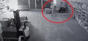 5 dakikada 5 bin TL'lik sigara ve bin 500 TL para çalıp kaçtılar Dakikalar içinde gerçekleşen soygun güvenlik kamerasına yansıdı