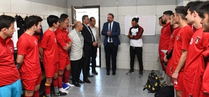 Başkan Gümrükçü'den futbolculara moral