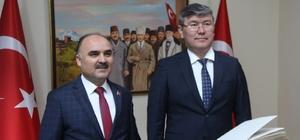 Kazakistan Cumhuriyeti Ankara Büyükelçisi Abzal Saparbekuly, Kayseri Valiliğini Ziyaret Etti